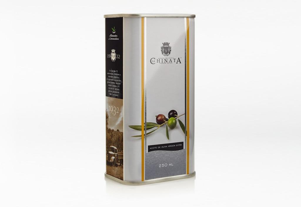 Öldesigner verwendet hochwertiges Olivenöl
